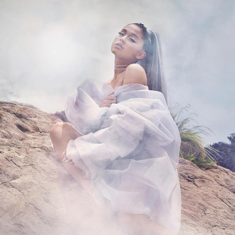 Ariana Grande- Busk Music
